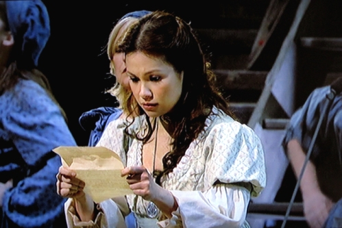 fantine-with-letter