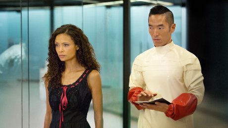 Thandie-Newton-as-Maeve-and-Leonardo-Nam-as-Felix-in-HBOs-Westworld